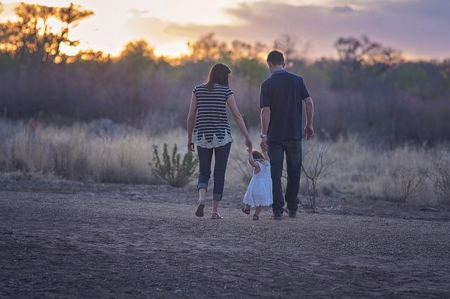 rodiče s dcerou