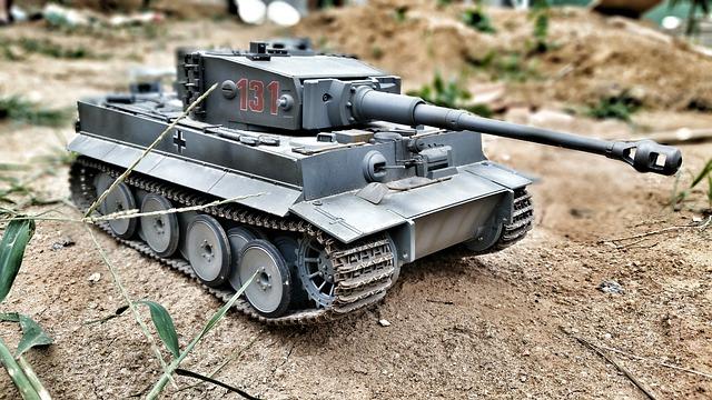 hračka tank